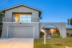 Photo of 27466 Garza Drive, Saugus, CA 91350 (MLS # SR20091577)