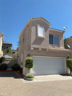 Photo of 27877 Skycrest Circle, Unit 27, Valencia, CA 91354 (MLS # SR20101920)