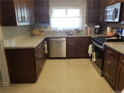 Photo of 26814 Circle Of The Oaks, Newhall, CA 91321 (MLS # SR20143001)