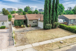 Photo of 6550 Randi Avenue, Woodland Hills, CA 91303 (MLS # SR20194517)