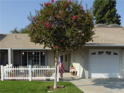 Photo of 18913 Circle Of The Oaks, Newhall, CA 91321 (MLS # SR20224126)