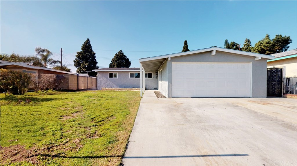 Photo for 20021 Flallon Avenue, Lakewood, CA 90715 (MLS # TR20008916)