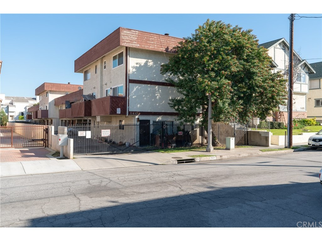 Photo for 1404 Prospect Avenue , Unit L, San Gabriel, CA 91776 (MLS # WS19021153)