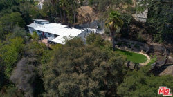 Photo of 3375 Coldwater Canyon Avenue, Studio City, CA 91604 (MLS # 18384240)
