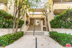 Photo of 12358 Moorpark Street, Unit 10, Studio City, CA 91604 (MLS # 18408414)