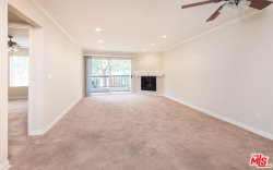 Photo of 21550 Burbank Boulevard, Unit 217, Woodland Hills, CA 91367 (MLS # 19433026)