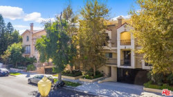 Photo of 5727 Camellia Avenue, Unit 103, North Hollywood, CA 91601 (MLS # 19518552)