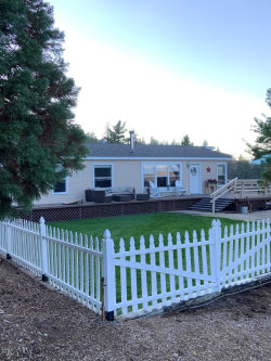 Photo of 1193 Stagecoach Road, Frazier Park, CA 93225 (MLS # 220009724)