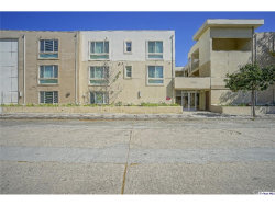 Photo of 10609 Bloomfield Street, Unit 201, North Hollywood, CA 91602 (MLS # 318001917)
