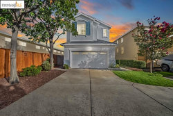 Photo of 5 Whimbrel Ct, Alameda, CA 94501 (MLS # 40926584)
