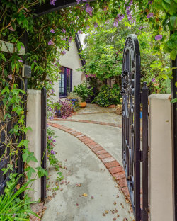 Photo of 2368 Lake View Avenue, Los Angeles, CA 90039 (MLS # 819002169)