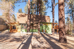 Photo of 5331 E Canyon Court, Wrightwood, CA 92397 (MLS # CV20253845)