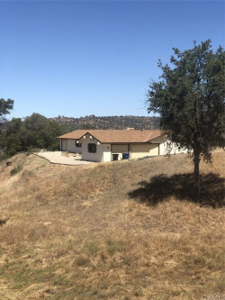 Photo of 29772 Lilley Mountain Court, Coarsegold, CA 93614 (MLS # FR20157472)