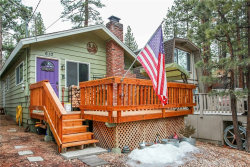 Photo of 610 Sugarloaf Boulevard, Big Bear, CA 92314 (MLS # OC19173490)