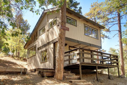 Photo of 43103 Grizzly Road, Big Bear, CA 92315 (MLS # PW18226017)
