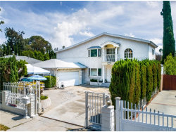 Photo of 4752 Sunnyslope Avenue, Sherman Oaks, CA 91423 (MLS # SR18198996)