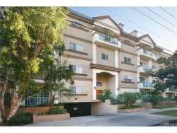 Photo of 10626 Valley Spring Lane, Unit 307, Toluca Lake, CA 91602 (MLS # SR18233677)