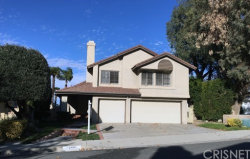 Photo of 24010 Briardale Way, Newhall, CA 91321 (MLS # SR18286927)