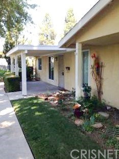 Photo of 19160 Avenue Of The Oaks, Unit D, Newhall, CA 91321 (MLS # SR20096158)