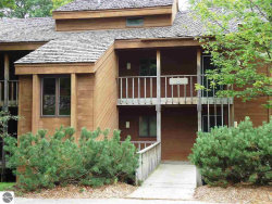 Photo of 4673 N Crossover Drive , Unit 570, Bellaire, MI 49615 (MLS # 1776780)
