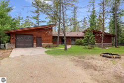 Photo of 8395 NW Aarwood Trail, Rapid City, MI 49676 (MLS # 1861774)