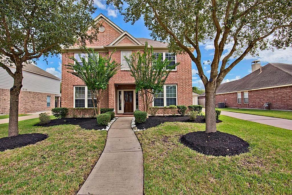 Photo for 7106 Timber Edge Lane, Humble, TX 77346 (MLS # 19196008)