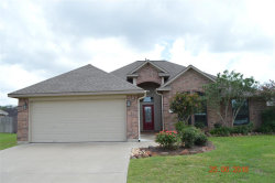 Photo of 106 Goldfinch Court, Richwood, TX 77566 (MLS # 2542085)