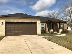 Photo of 450 Green Meadows, West Columbia, TX 77486 (MLS # 27944433)