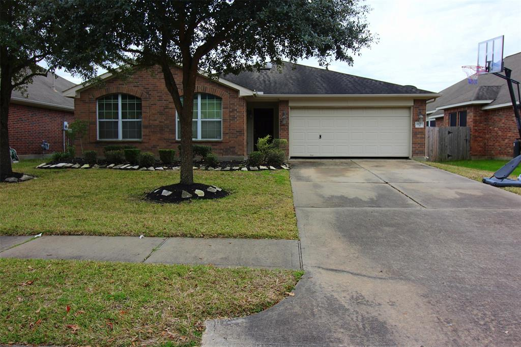 Photo for 18015 Willow Cliff Lane, Cypress, TX 77433 (MLS # 33695387)
