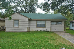 Photo of 706 S Nugent Street, La Porte, TX 77571 (MLS # 3511464)
