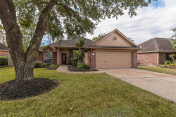 Photo of 811 Courtside W, League City, TX 77573 (MLS # 35369950)