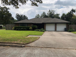 Photo of 202 Emerald Drive, Clute, TX 77531 (MLS # 36174982)