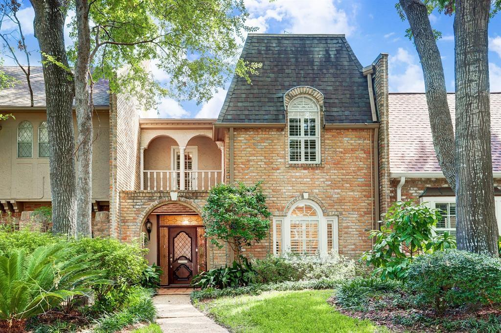 Photo for 9458 Briar Forest Drive, Houston, TX 77063 (MLS # 45948451)