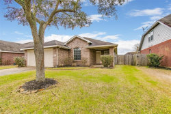 Photo of 2703 Courtyard Lane, Pearland, TX 77584 (MLS # 49108868)