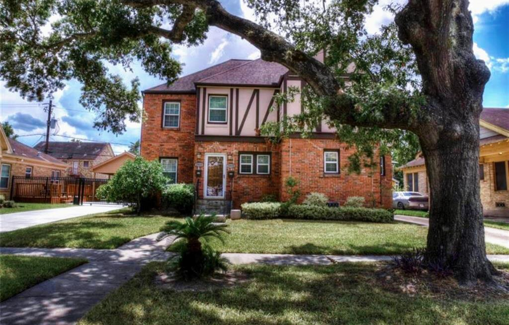 Photo for 2810 Wentworth Street, Houston, TX 77004 (MLS # 65407169)