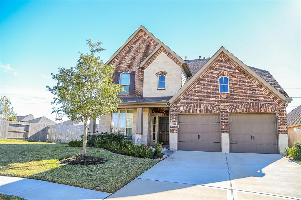 Photo for 13602 Baybreeze Valley Lane, Pearland, TX 77584 (MLS # 70360271)