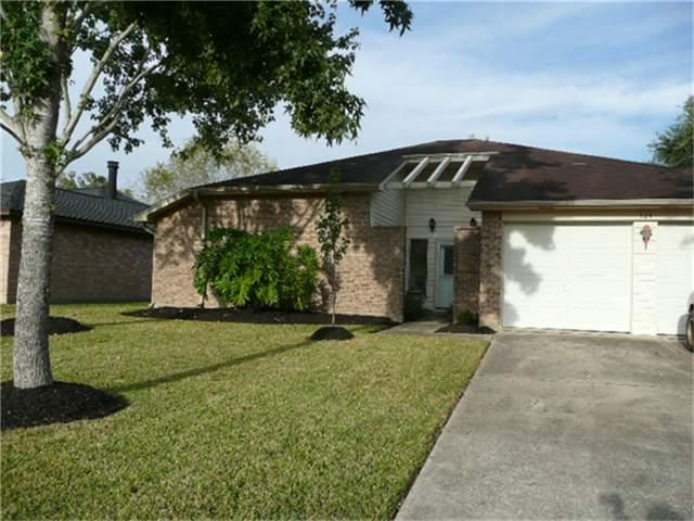 Photo for 324 Knoll Forest Drive, League City, TX 77573 (MLS # 70907331)
