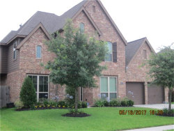Photo of 2015 Sunset Springs, Pearland, TX 77584 (MLS # 72200223)