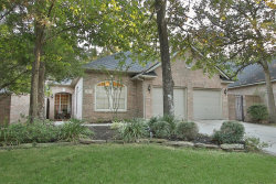 Photo of 51 N Vista Cove Drive, The Woodlands, TX 77381 (MLS # 80673057)