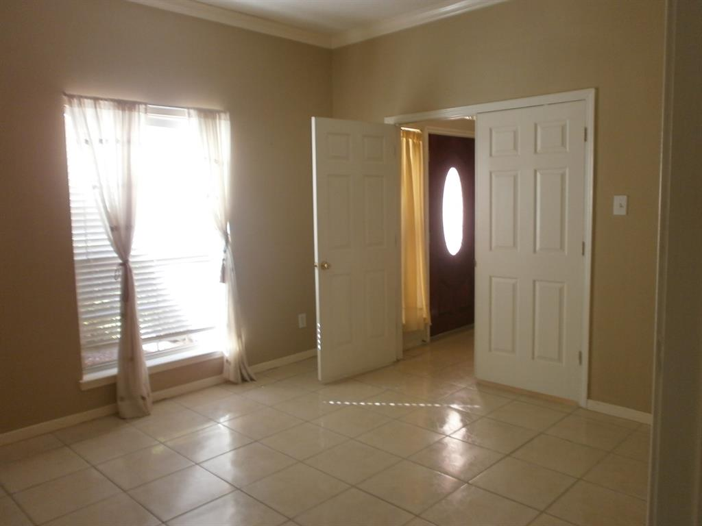 Photo for 2010 Winding Springs Drive, League City, TX 77573 (MLS # 81217928)