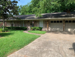 Photo of 538 Sycamore Street, Lake Jackson, TX 77566 (MLS # 83996843)