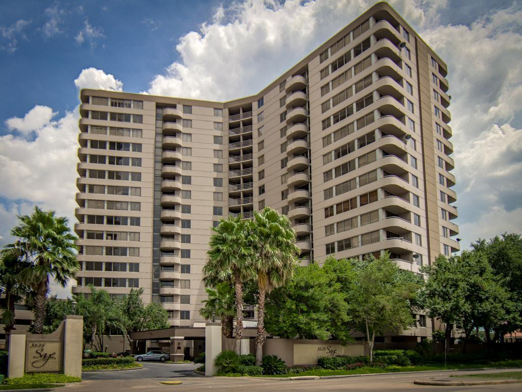 Photo for 3525 Sage Road, Unit 1402, Houston, TX 77056 (MLS # 8597793)