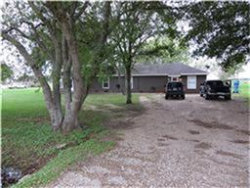 Photo of 7207 Meadowgreen Lane, Unit B, Needville, TX 77461 (MLS # 87007480)