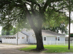 Photo of 605 S Main Street, Highlands, TX 77562 (MLS # 8706946)