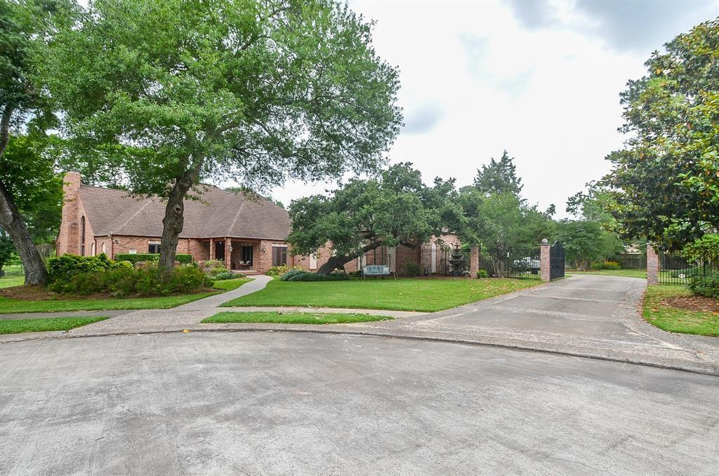 Photo for 480 Fox Run Lane, League City, TX 77573 (MLS # 9235229)