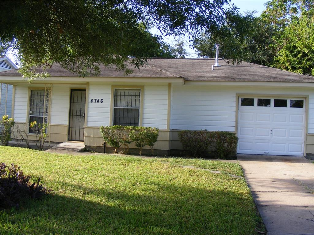 Photo for 4746 Larkspur Street, Houston, TX 77033 (MLS # 95703352)