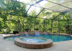 Photo of 425 Huckleberry Drive, Lake Jackson, TX 77566 (MLS # 98417256)