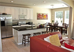 Photo of 2 Stone Arrow Place, The Woodlands, TX 77382 (MLS # 11332363)