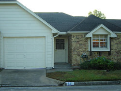 Photo of 611 E Country Grove Circle, Pearland, TX 77584 (MLS # 12823446)