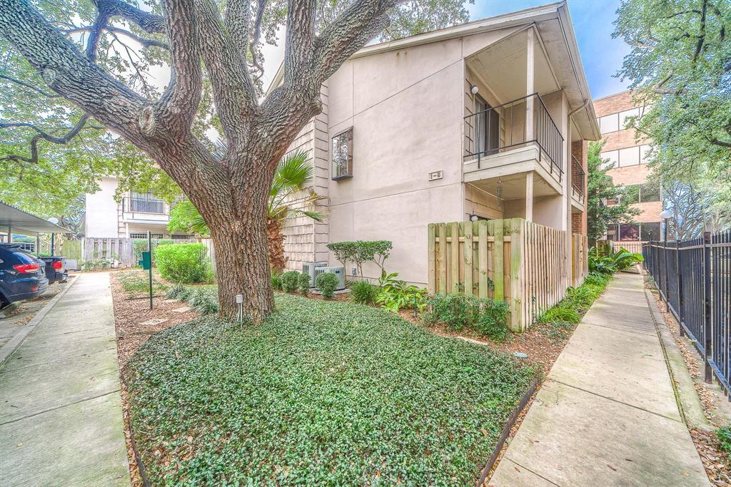 Photo for 1818 Augusta Drive, Unit 6, Houston, TX 77057 (MLS # 38879278)